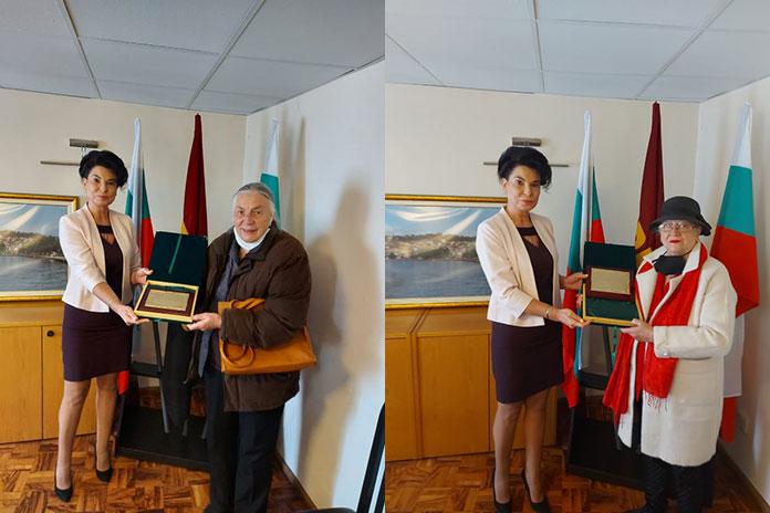 """Райна Дрангова и Евгения Гешева получиха наградата на НЖО """"Достойнство и чест"""""""