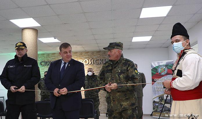 Красимир Каракачанов откри Център за учения и тренировки на Сухопътните войски