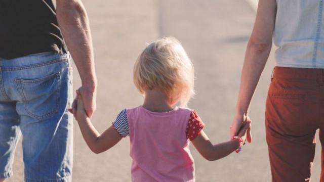 """Движение """"Българско семейство"""" подкрепя законопроекта на ВМРО за ЗЗД (Закон за закрила на детето)."""